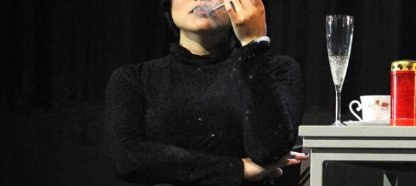 """Lini Gong als der Tod in """"Das geopferte Leben"""""""